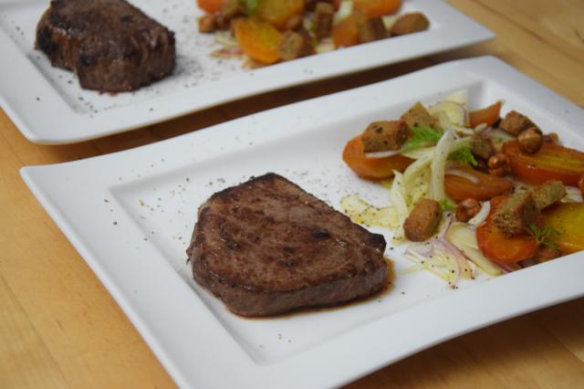 huferlsteak-mit-gelber-bete-fenchel-salat-6