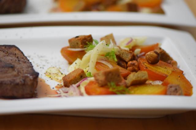huferlsteak-mit-gelber-bete-fenchel-salat-9