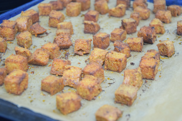 linsensalat-mit-marinierten-schalotten-und-berbere-croutons-3