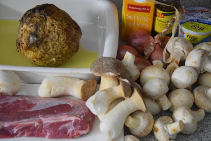 gebackener-sellerie-mit-schweinsmedaillons-in-pfefferpilzsauce-1