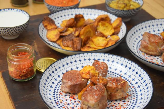 schwein-mit-chili-salsas-und-suskartoffel-chips-5
