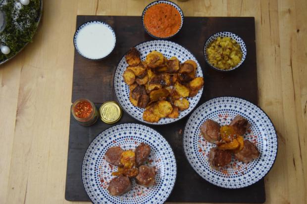 schwein-mit-chili-salsas-und-suskartoffel-chips-6