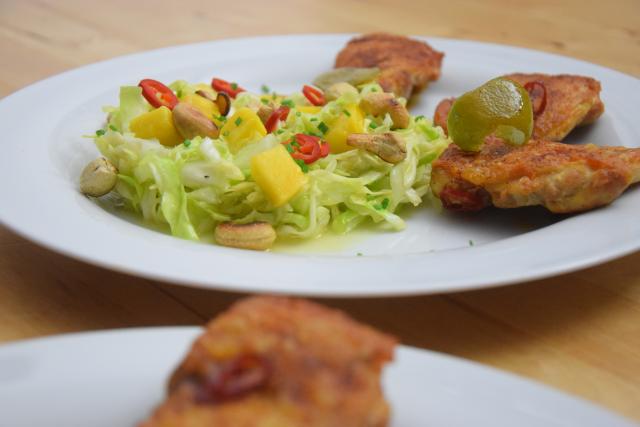 gebratenes-hahnchen-mit-mango-spitzkohlsalat-10