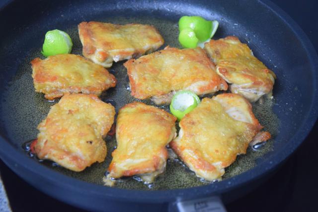 gebratenes-hahnchen-mit-mango-spitzkohlsalat-4