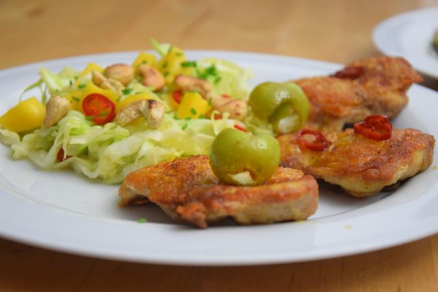 gebratenes-hahnchen-mit-mango-spitzkohlsalat-9