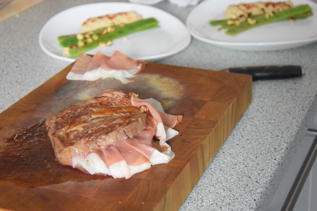 mit-speck-gefulltes-steak-selleriepuree-und-breite-bohnen-4