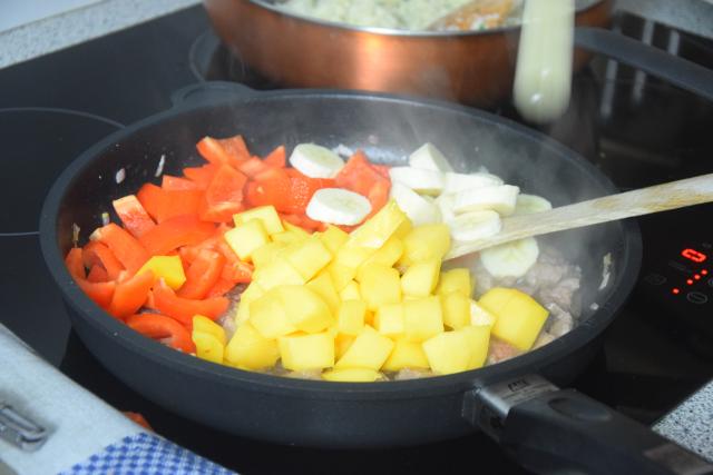 bananen-mango-rind-gurkensalat-3