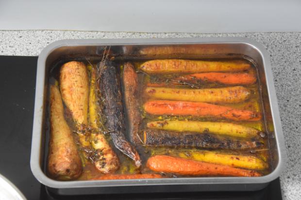 Hähnchen mit Avocado-Creme konfierte Karotten (4).png