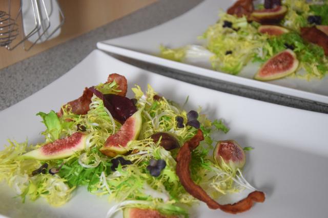 kalbsleber-mit-feigen-frisee-salat-2