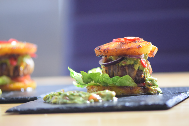 Ananas-Burger mit Avocadocreme (14)