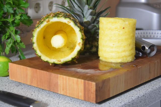 Ananas-Burger mit Avocadocreme (4)