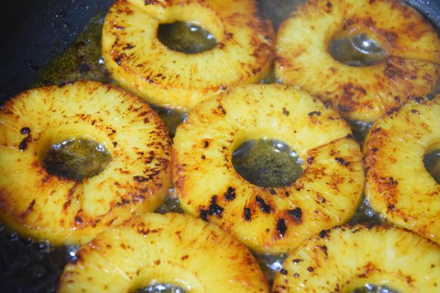 Ananas-Burger mit Avocadocreme (6)