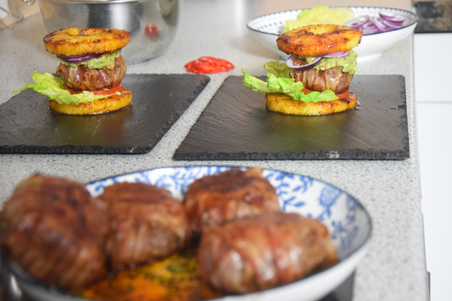 Ananas-Burger mit Avocadocreme (8)