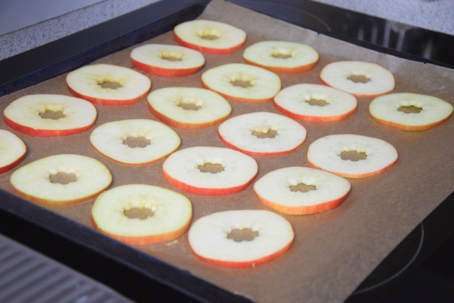 Blutwurst-Apfel-Stapel (2).png