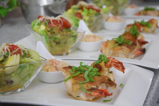 garnelenhuhn-mit-cocktailsauce-im-salat-7