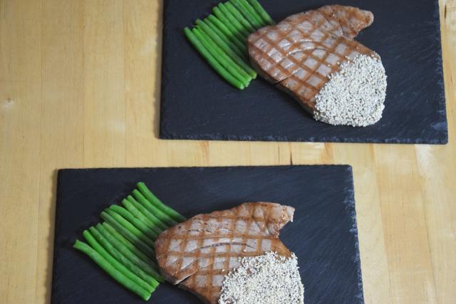Gegrillter Thunfisch in Sesam (4)