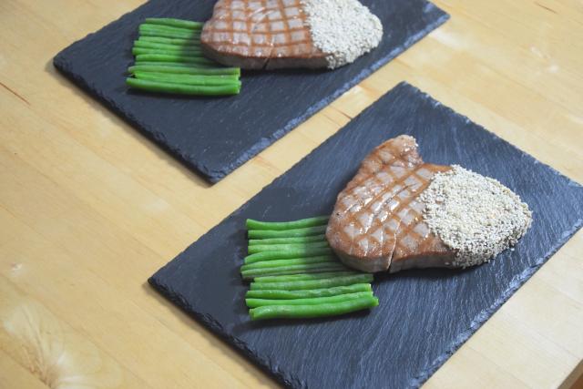 Gegrillter Thunfisch in Sesam (5)