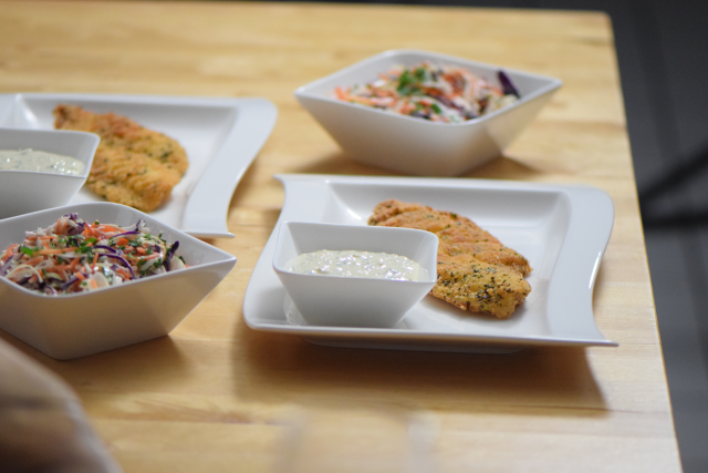 Scholle paniert mit Krautsalat und Sauce Tatar (5)
