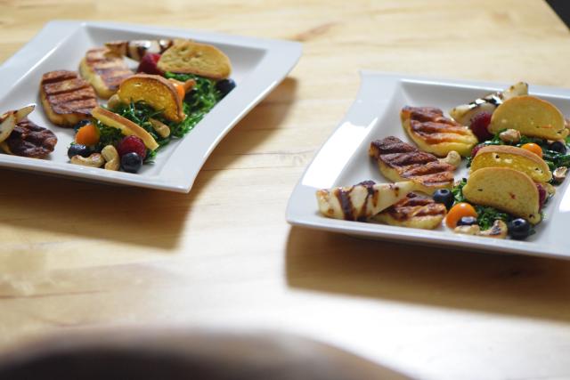 Zartbitterer Mangold-Salat mit Haloumi (11)