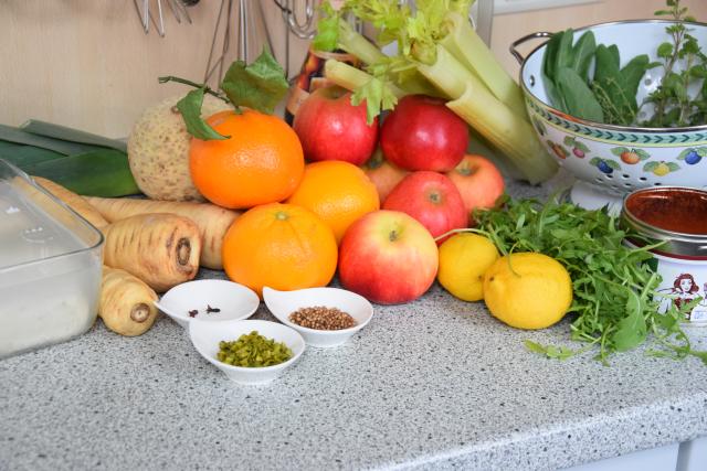 Apfel-Pastinaken-Salat mit Orange Lean (1)