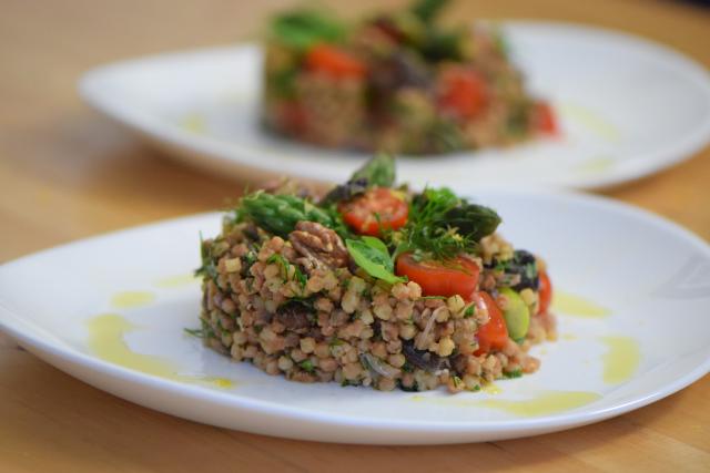 Fregola-Salat mit Spargel und Shiitake-Pilzen (8)