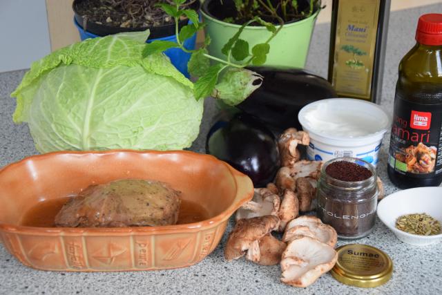 Pulled Lamb Salad (1).png