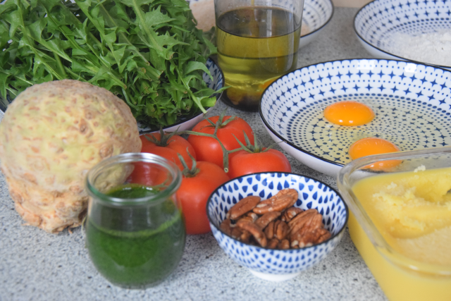 Sellerieschnitzel mit Löwenzahn-Salat (1)