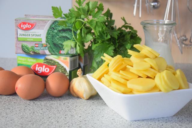 Spinat mit Spiegelei und Kartoffeln nach Art von Sarlat (1).png
