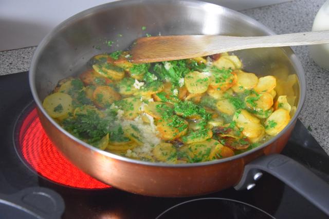 Spinat mit Spiegelei und Kartoffeln nach Art von Sarlat (3)