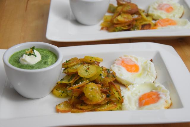 Spinat mit Spiegelei und Kartoffeln nach Art von Sarlat (6)