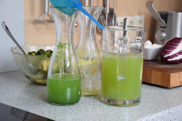 Gegrillter Zucchini-Salat mit Cucumber Cocktail (2)
