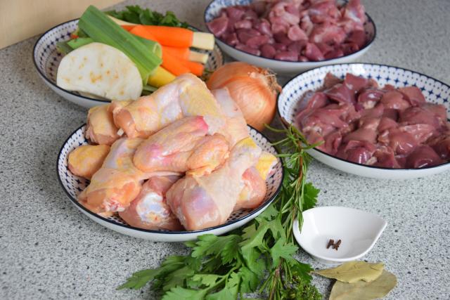 Ungarische Hühnersuppe (1)