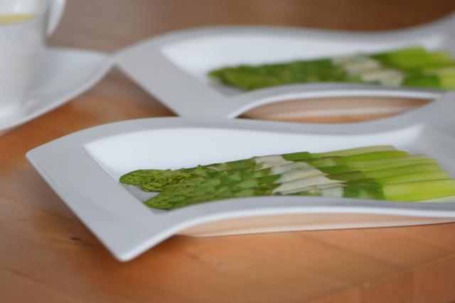 Grüner Spargel mit Sauce Mousseline (3)