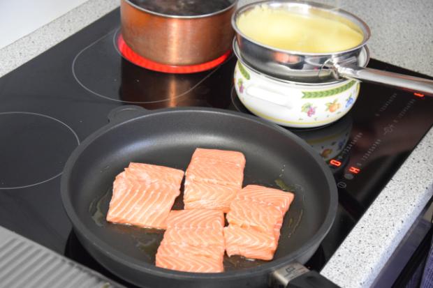 Lachs mit Sauce Béarnaise (4)