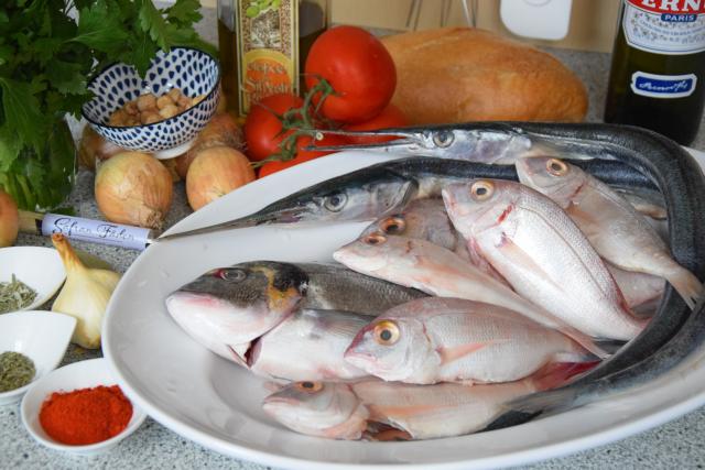 Kalatalanische Fischsuppe (1)