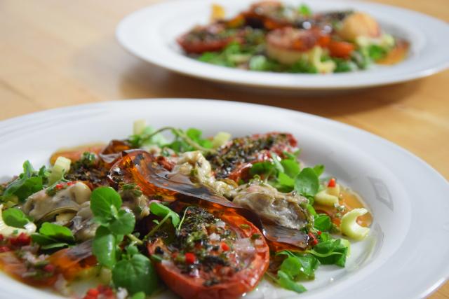 salat mit austern dashigelee und ger steten tomaten k chenereignisse. Black Bedroom Furniture Sets. Home Design Ideas