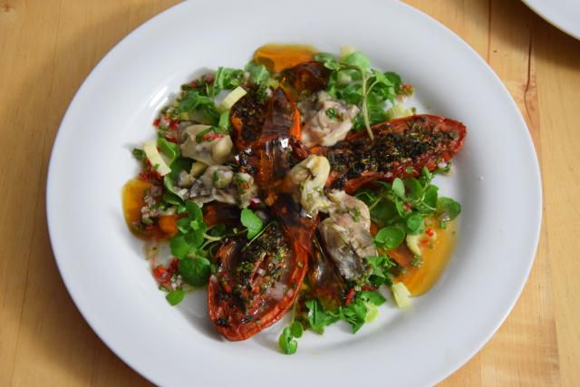 Salat mit Austern, Dashigelee und geröstete Tomaten (9)