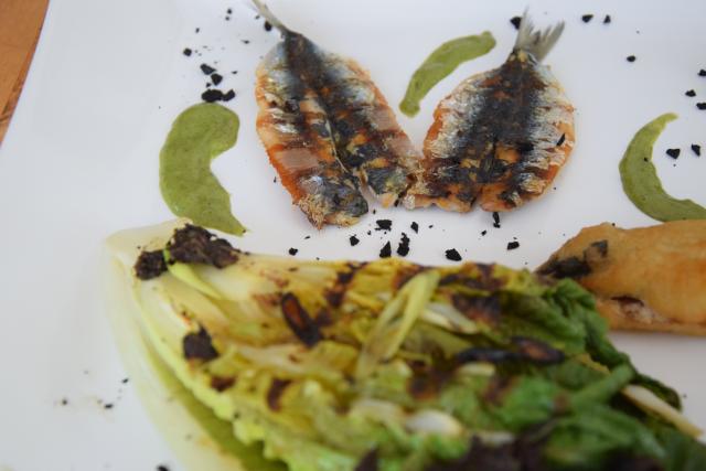 Sardinen mit gegrillten Romanasalatherzen und Estragon-Jus (10)