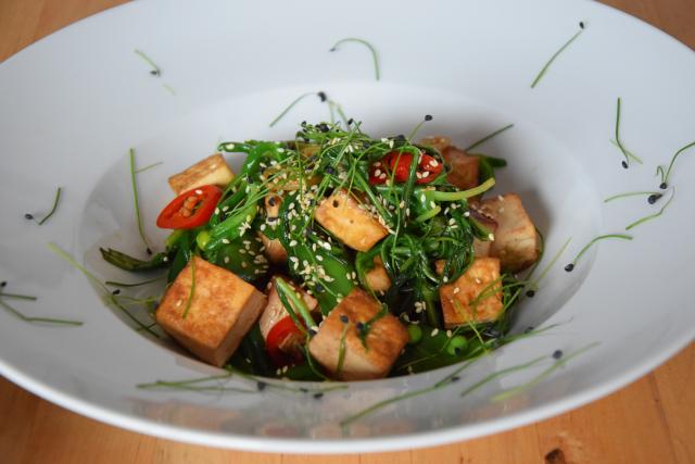 Wasserspinatsalat mit Tofu und Chili (5)