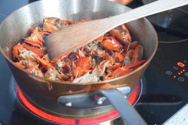 Seezunge mit Flusskrebsen und Sauce Nantua (7)