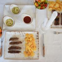 Steak mit Kartoffelwaffeln