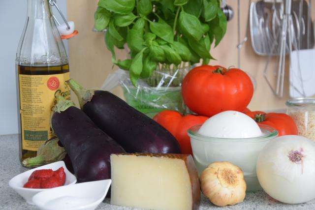 Auberginen-Mozzarella-Gratin (1).png