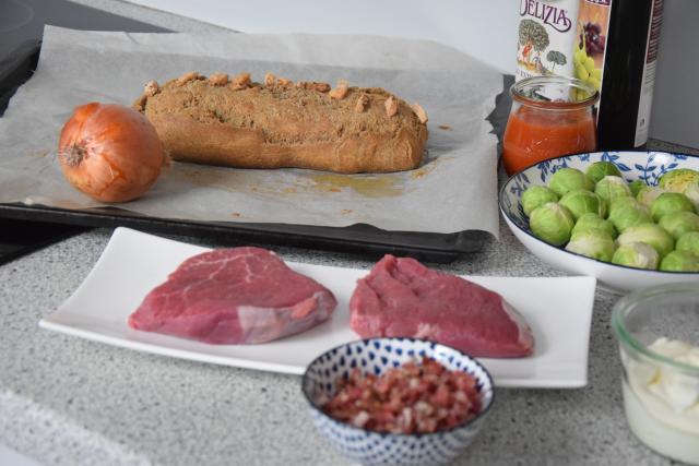 Steak mit geschmolzenen Zwiebeln (1)