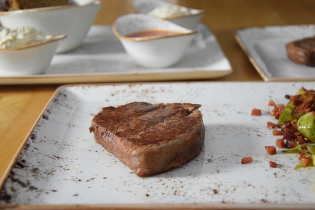 Steak mit geschmolzenen Zwiebeln (5)