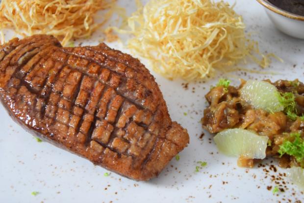 Ente und Feigen-Chutney mit Sellerie-Nestern (2)