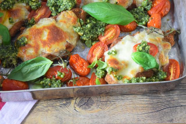 Escalope Chicken Pesto Mozzo (4)