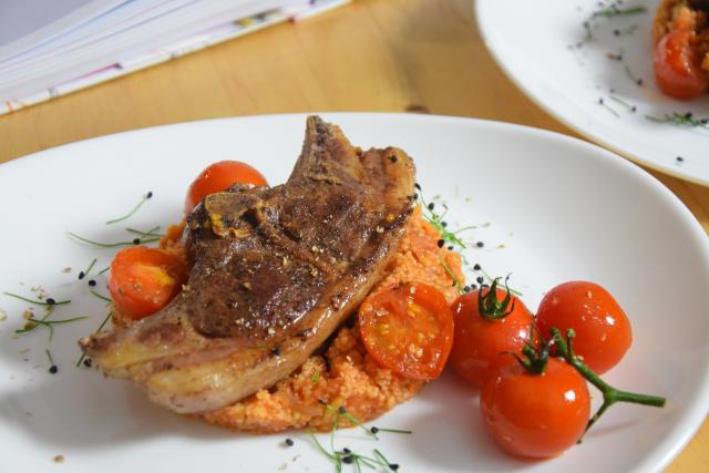 Lammkoteletts mit Sumach und Tomaten-Couscous (2)