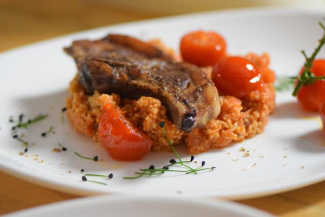 Lammkoteletts mit Sumach und Tomaten-Couscous (3)