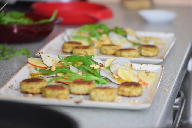 Saiblingspflanzerl mit Haselnuss-Salat (5)