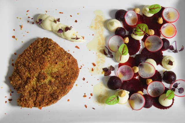 Schnitzel mit Rote-Bete-Salat und Frischkäse-Creme (4)